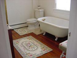 Have a relaxing bath; photo courtesy Kraemarie