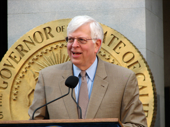 Dennis Prager speaking at California Govenor's podium; photo courtesy Nate Mandos