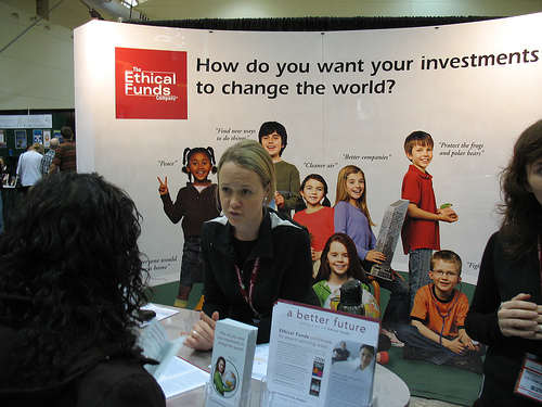 Kids learn about environmentally friendly investing; photo courtesy Michelle Rebecca